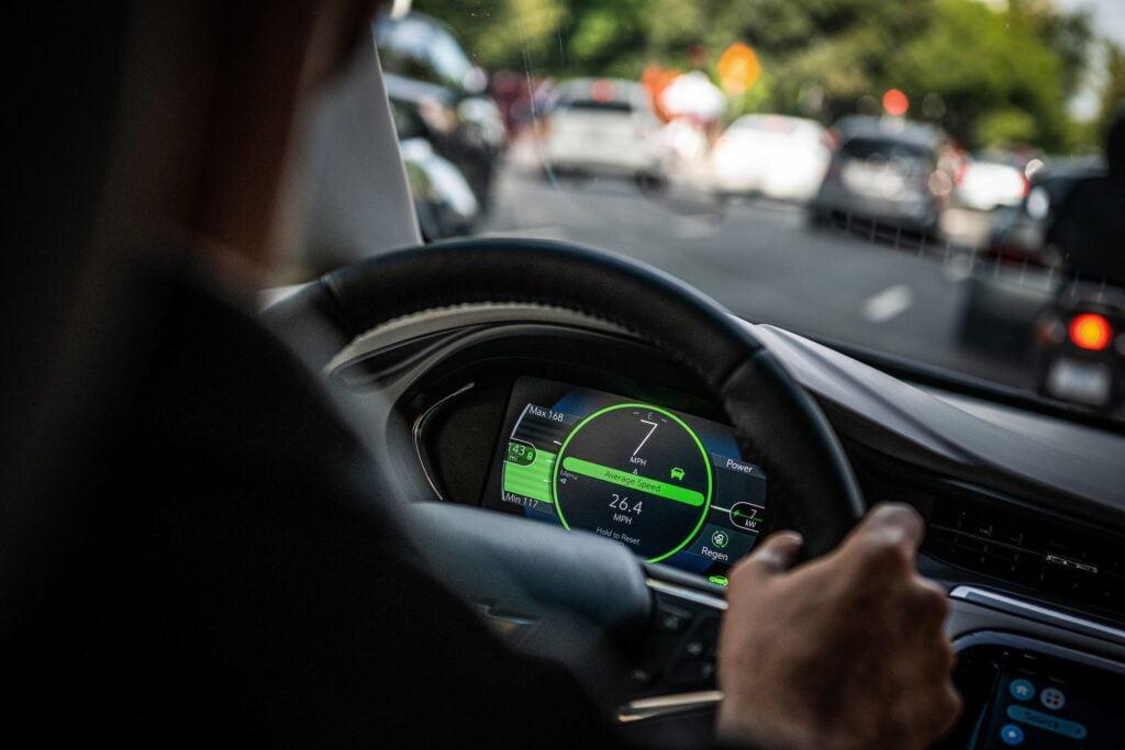 تعليم قيادة السيارات بالكويت